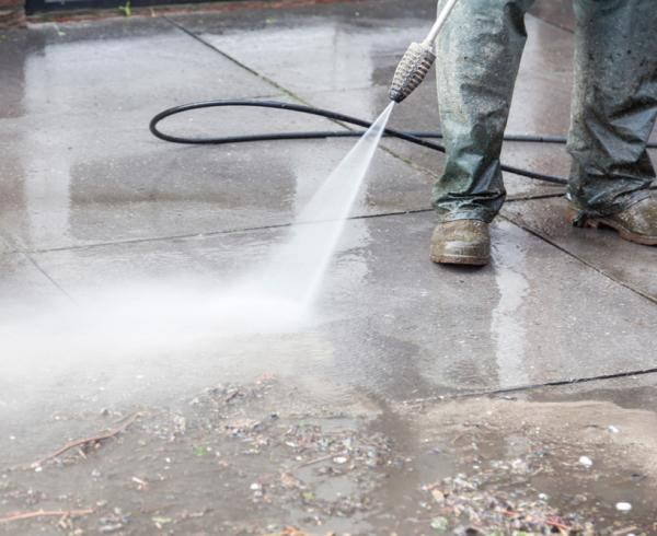 High pressure cleaning service for concrete floors, concrete driveways, concrete patio